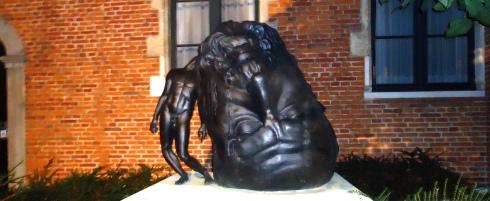 statue La grosse tête 2