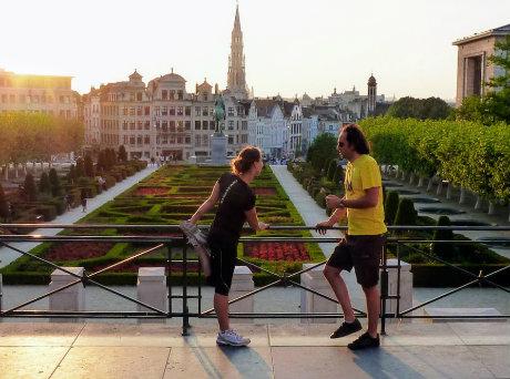 2 joggers au Mont des Arts à Bruxelles