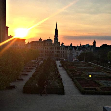 coucher de soleil au mont des arts à bruxelles
