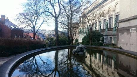 Balade insolite 7 parcs cach s et jardins secrets bruxelles - Statue de jardin belgique ...