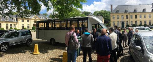 Bus du Tourpitture visite guidée originale et satirique de Bruxelles