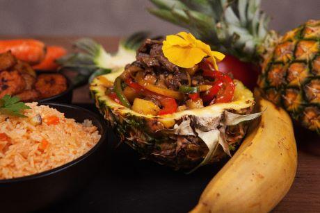 plat Afrosian boeuf ananas
